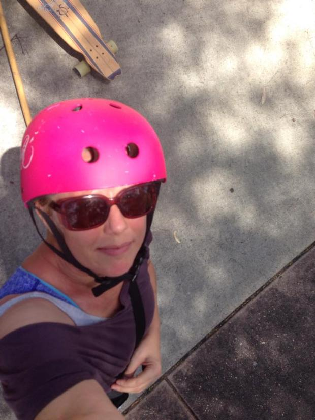Yenny pink helmet