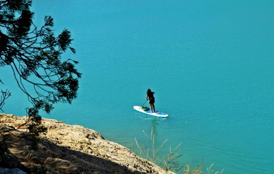 Tati CoCo big blue paddling