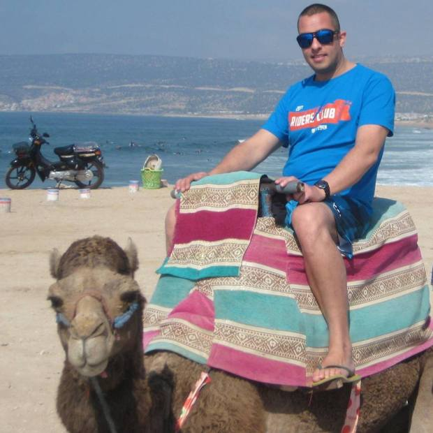 Joey Thwaites camel friend
