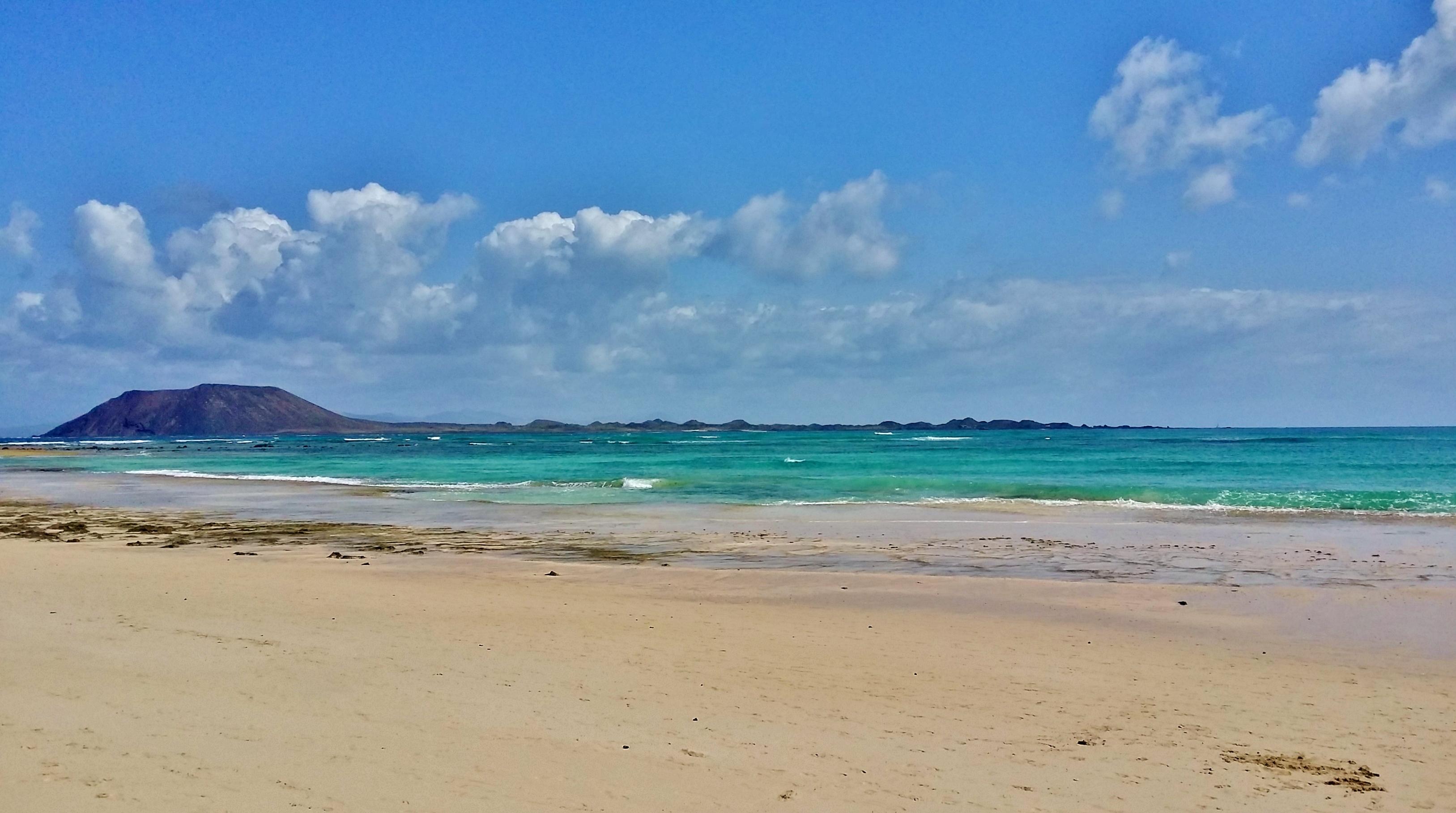 Flying the flag (for SUP) – Flag Beach, Fuerteventura